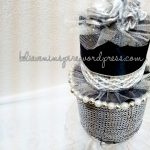 Cosmetic Pouch with Cake Pin-holder/Pin cushion