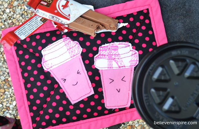 Cutesy Cups Mug Rug Tutorial (Homemade Gifts)