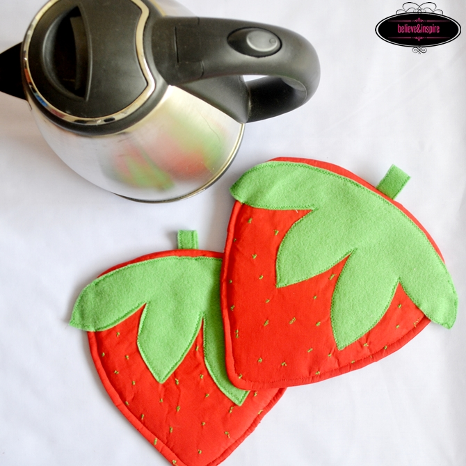 How to Sew Strawberry Pot Holders on believeninspire.com-2 cg1blog