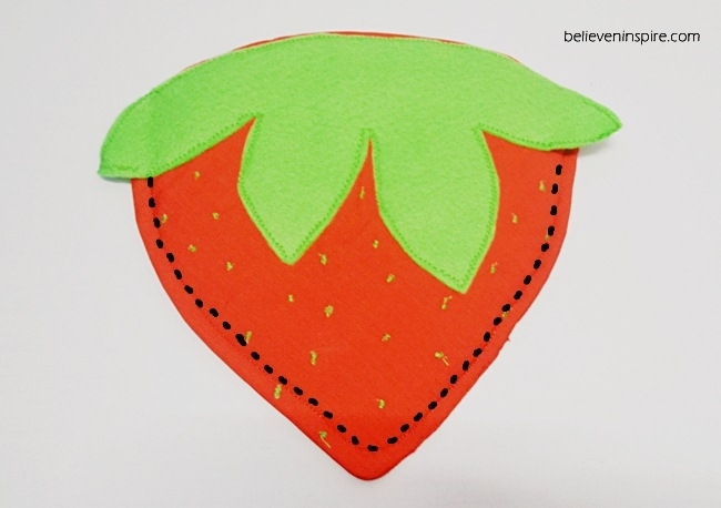 How to Sew Strawberry Pot Holders on believeninspire.com2