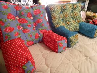Sofa Style Back Pillow Tutorial