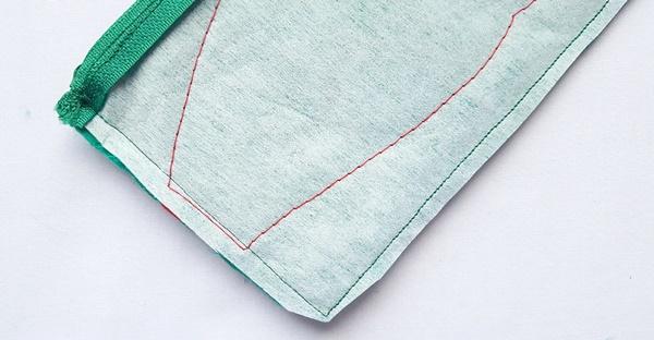 Ninja turtle pouch tutorial with free pattern by sewsomestuff.com10
