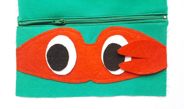 Ninja turtle pouch tutorial with free pattern by sewsomestuff.com9