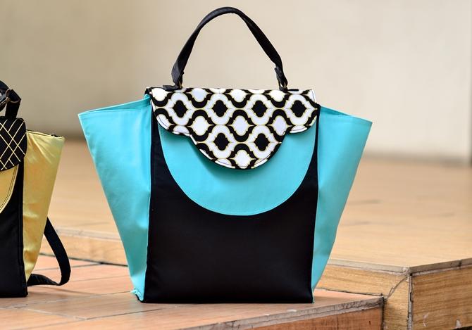 Trendy trapeze bag sewing pattern on sewsomestuff.com