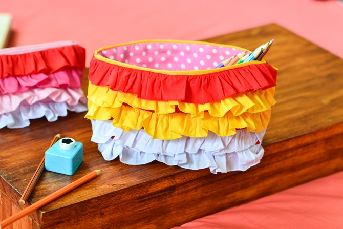 Ombre ruffled zipper pouch tutorial11