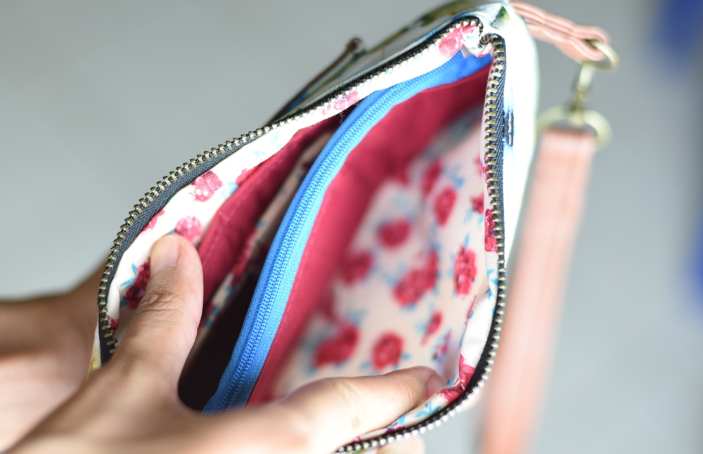 inside view of busy bee wristlet sewing pattern